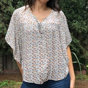 Tops - Floral loose top with crochet detail